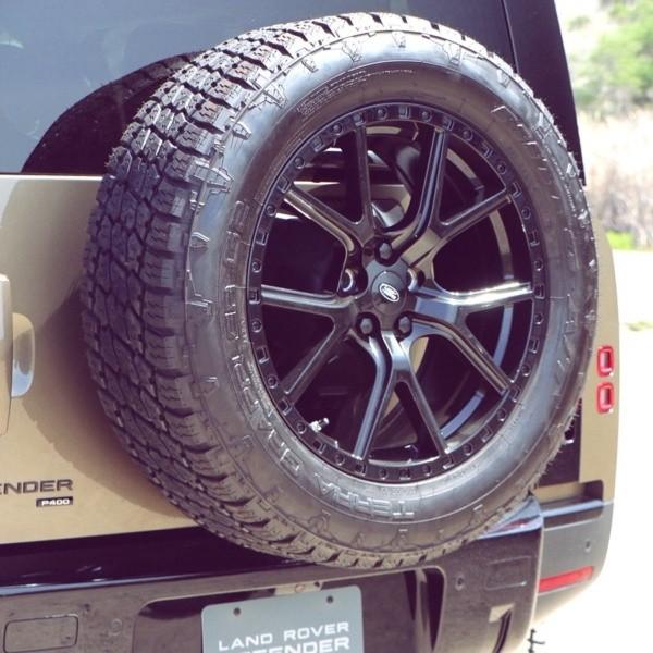 Land Rover wheels 20 inch